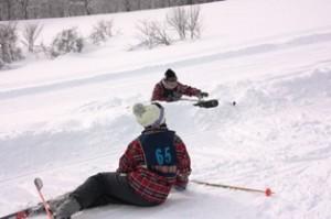 雪に埋もれても転倒しても負けないぞ!